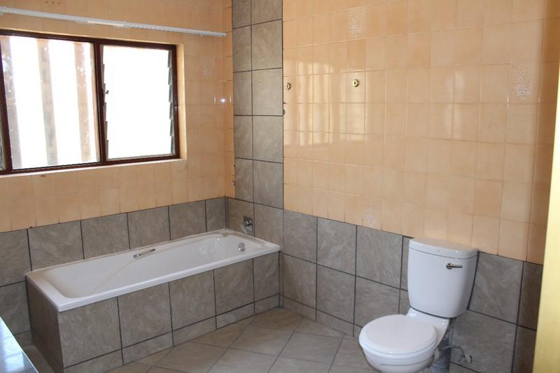 Property For Sale in Kyalami Ah, Midrand 9